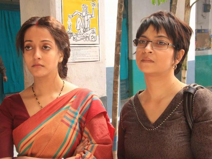 Ratna and Dr Swati try to bring Tarak back to being normal.