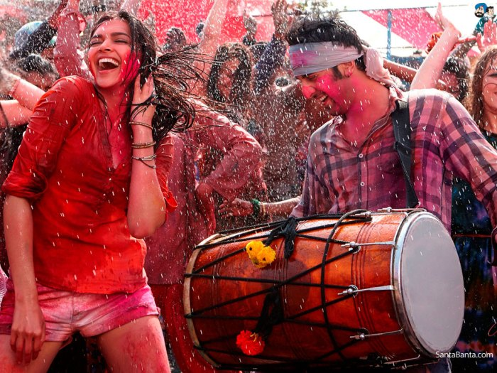Forget La Tomatina, lets play Holi !