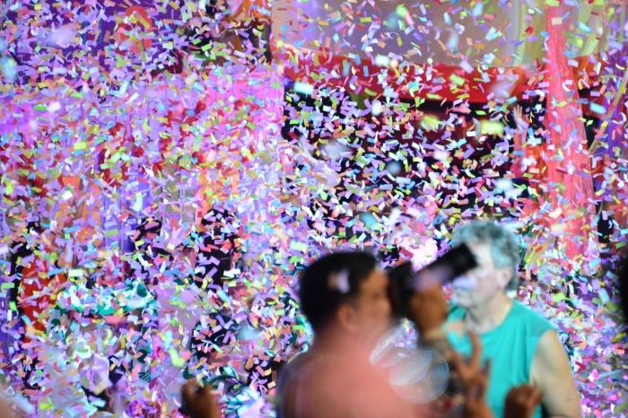 A shower of confetti ..