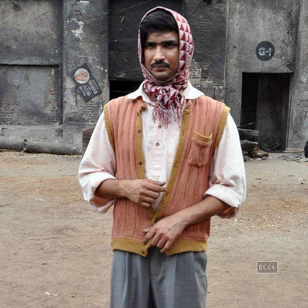 Sushant-Singh-Rajput-on-the-sets-of-Bollywood-movie-Detective-Byomkesh-Bakshi